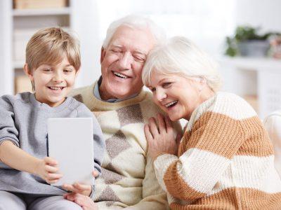 pensionistas con prótesis dentales